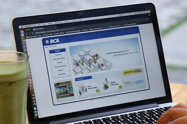 Pembayaran lewat Internet Banking BCA