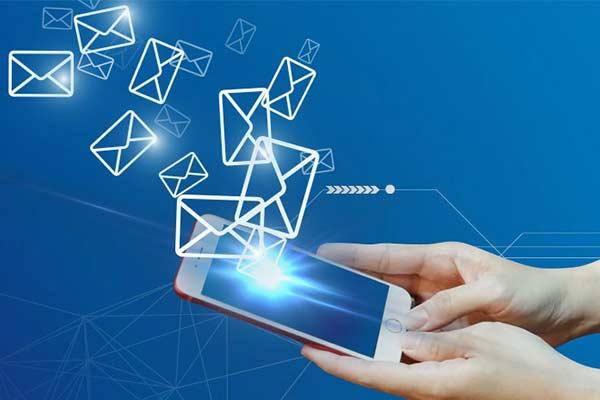 Manfaat Keuntungan Memiliki Layanan SMS Banking