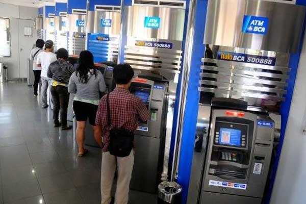 Cara Cek Riwayat Transaksi Lewat ATM BCA