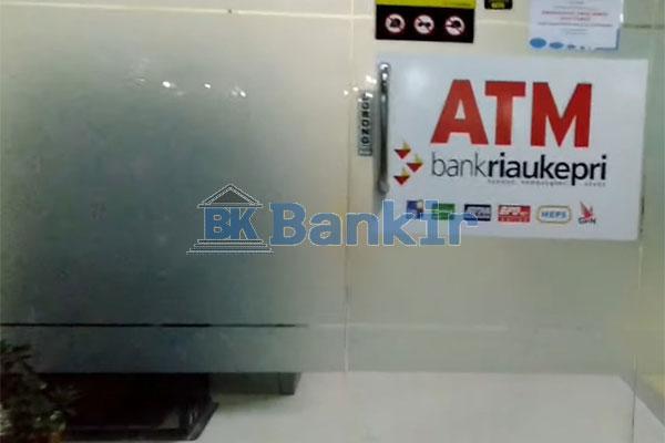 Datang ke ATM Bank Riau Kepri Syariah